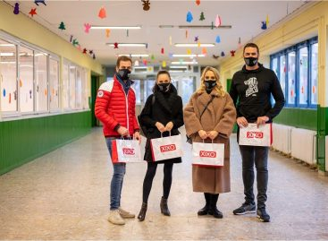 The residents of children's homes receive a donation of almost 100 million forints from XIXO