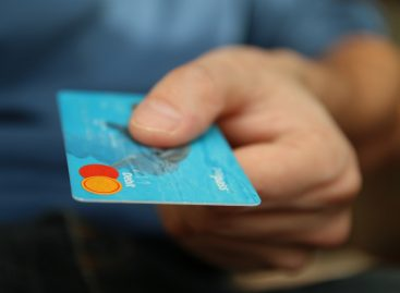 Hungarian retailers can now offer card payment service without a terminal