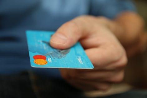 Terminál nélkül fogadhatnak kártyás fizetést a magyar kereskedők