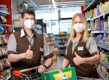 Spar Austria, REWE Offer Free FFP2 Masks As Governments Tighten Rules