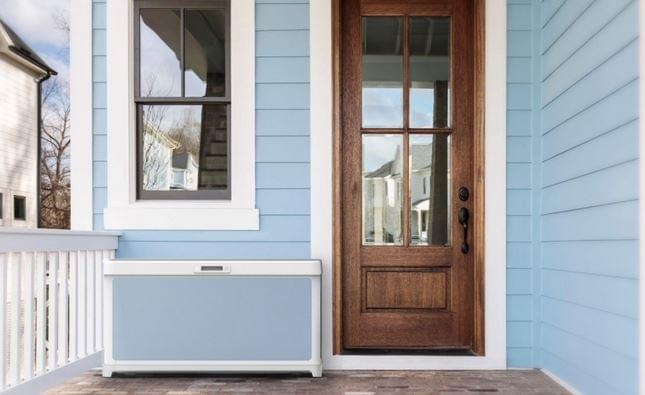 Smart Box az ajtónál