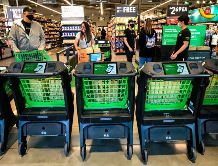 Amazon Fresh intelligens bevásárlókocsik