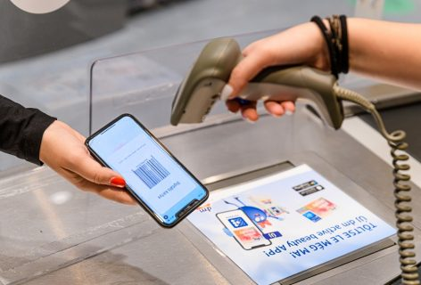 Self scanning: dm helps to shop fast with a new service!