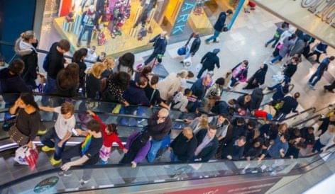A briteknek elegük van: újra shoppingolni járnak