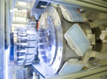 Önellátó lesz Magyarország az orvosi maszkgyártásban
