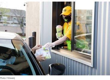 A 7-Eleven kényelmi lánc drive-thru gyorsétteremmel bővíti szolgáltatásait