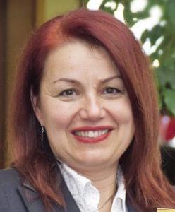 Dr. Száraz Anikó Caola