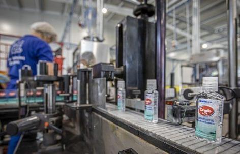 A járvány kitörése óta 17 millió fertőtlenítőszer készült a legnagyobb hazai gyártónál
