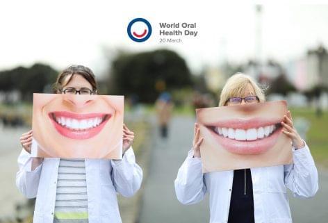 A rágózás egészségügyi előnyeire hívja fel a figyelmet a Szájegészség világnapja