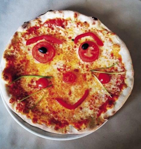 101 smiling pizzas