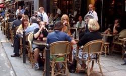 A Magyar Vendéglátók Ipartestületének tájékoztatása a vendéglátóhelyi nyitva tartás, illetve a vendégek ott-tartózkodásának új szabályairól