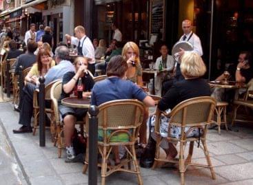 (HU) A Magyar Vendéglátók Ipartestületének tájékoztatása a vendéglátóhelyi nyitva tartás, illetve a vendégek ott-tartózkodásának új szabályairól