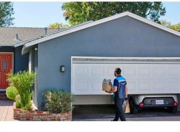 Az Amazon már a garázsba is beteszi a csomagot