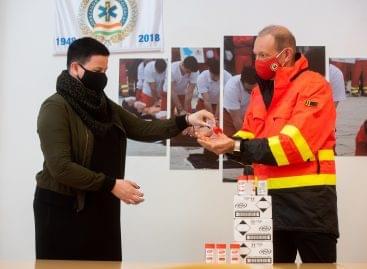 Komoly adománnyal segíti az Országos Mentőszolgálat munkáját az Unilever