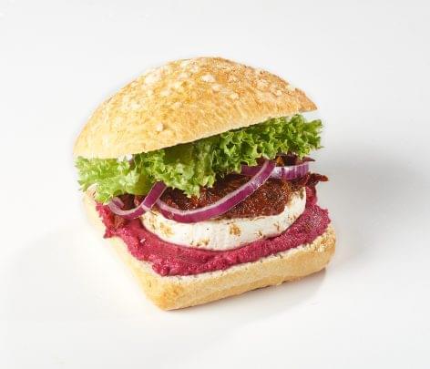 (HU) Hazai különlegességekből készülnek az OMV legújabb gourmet szendvicsei