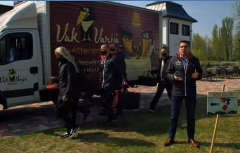 Büszke és vidám újranyitási pr-film egy budapesti étteremlánc csapatától – A nap videója