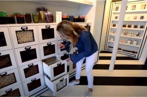 Édességbolt 160 féle kézműves nyalánksággal – A nap videója
