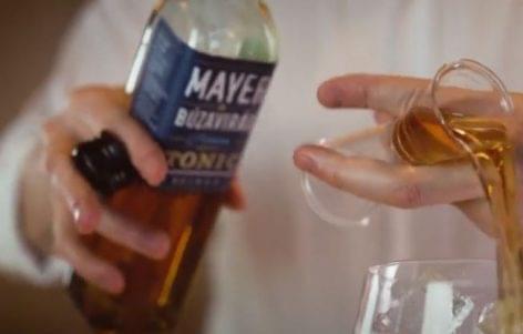 (HU) Mayer & Búzavirag G&T- A nap videója