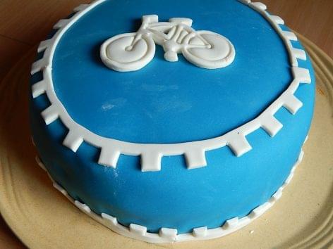 Duplaannyi tortát sütünk otthon a pandémia óta