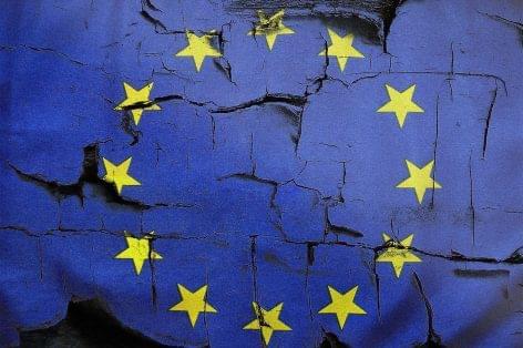 Romlott a fogyasztói bizalom az eurózónában és az EU-ban júliusban