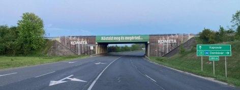 Szalámiérlelőn tekernek át a Tour de Hongrie versenyzői