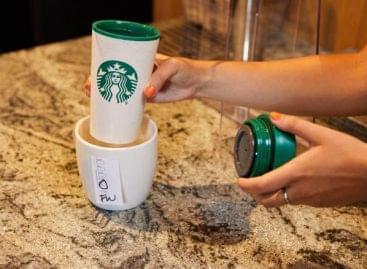 Ismét saját bögréikbe kérhetik a fogyasztók a Starbucks-kávét