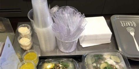 Júliusban életbe lép a rendelet az egyes egyszer használatos műanyagtermékek forgalomba hozatalának korlátozásáról