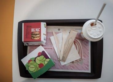 Így szabadul meg az egyszer használatos műanyagoktól a hazai McDonald's