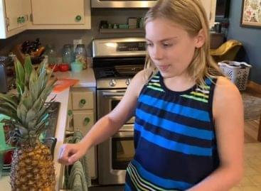 Hogy lehet megenni az ananászt kés nélkül – A nap videója