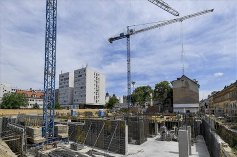 A four-star hotel is being built in Debrecen