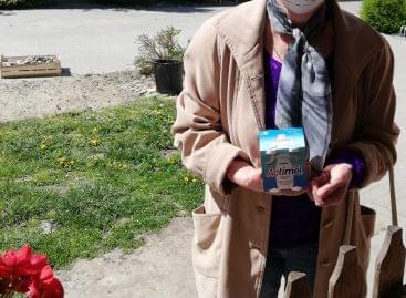 210 ezer palack Actimelt adományozott idős rászorulóknak a Danone