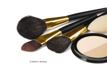 Young Cosmetics Fans Do Not Want to Dispense with Plastics