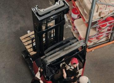 Növekvő automatizáció a logisztikában: robotok és cobotok megjelenése a raktárakban